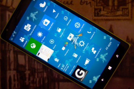 Facebook запустил Windows 10 Mobile